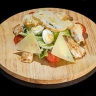 Цезарь салат с курой Фото