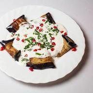 Баклажаны с чесночным соусом и орехами Фото