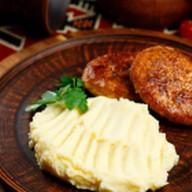 Котлеты с картофельным пюре Фото