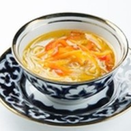 Суп куриный с домашней лапшой Фото
