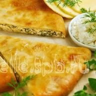 Осетинский пирог зелень, сыр, творог Фото