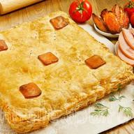 Пирог слоеный с ветчиной и картофелем Фото