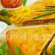 Осетинский пирог с мясом и огурчиком Фото