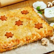Пирог слоеный с рисом и грибами Фото