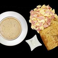 Завтрак с сытными блинами по-домашнему Фото