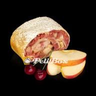 Веганский штрудель яблочный с вишней Фото