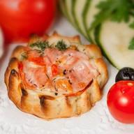 Перепечки с ветчиной и томатом 16 шт. Фото