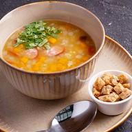 Гороховый суп по-голландски с гренками Фото