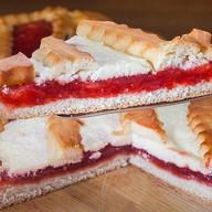 Пирог Творожно-клубничный Фото