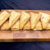 10 фуршетных пирожков (слоеное тесто) Фото