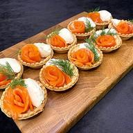 Тарталетки с рыбой и сливочным сыром Фото
