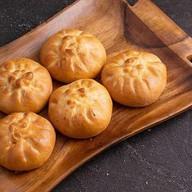 5 пирожков с картофелем и грибами Фото