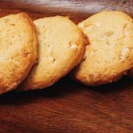 Печенье кукис с белым шоколадом Фото