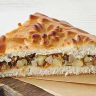 Пирог с картофелем и солеными грибами Фото