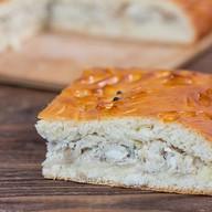 Пирог с масляной рыбой и треской Фото