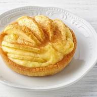 Тарталетка с яблоком и корицей Фото