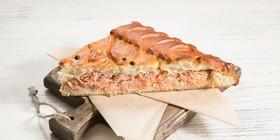 Пирог с форелью и соусом бешамель - Фото