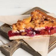 Пирог с абрикосом и вишней Фото