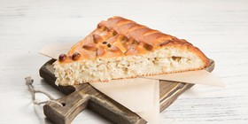 Пирог с масляной рыбой и треской - Фото