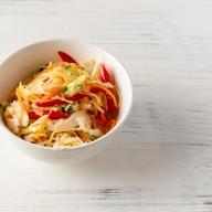 Салат витаминный с огурцом и перцем Фото