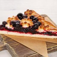 Пирог веганский с черной смородиной Фото