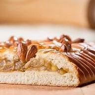 Пирог с яблоком и корицей Фото