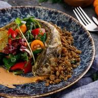 Филе судака с салатом из кумквата Фото