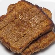 Чесночные гренки из черного хлеба Фото