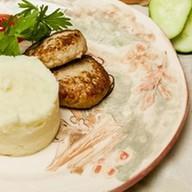 Котлеты из индейки с картофельным пюре Фото