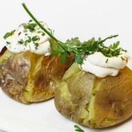 Печеный картофель со сливочным сыром Фото