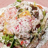 Краб-салат с яйцом пашот кабачком Фото