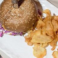Бургер Puberty с копченым лососем Фото