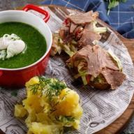 Щавелевый крем-суп с мятым картофелем Фото
