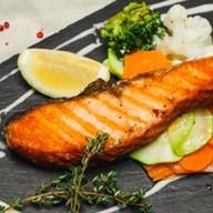 Стейк из норвежской сёмги с овощами Фото