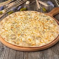 4 сыра пицца Фото