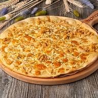 Пицца с копчёной форелью Фото