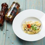Паста с баклажанами и грибами в соусе Фото