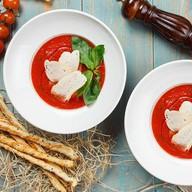 Томатный суп с пармезаном Фото