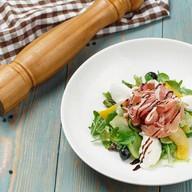 Микс салат с пармой и рикотта Фото
