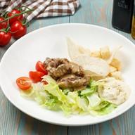 Цезарь с куриной печенью салат Фото