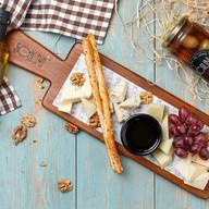 Ассорти из итальянских сыров Фото