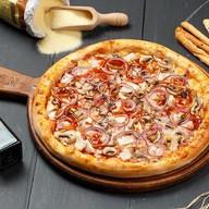 Пицца с курицей Барбекю Фото