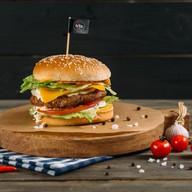 Хитбургер классический с телятиной Фото