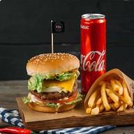Комбо ЧикенХит бургер с куриной котлетой Фото
