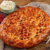 Пирог с брусникой, яблоком и творогом Фото