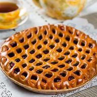 Пирог с вишней круглый Фото