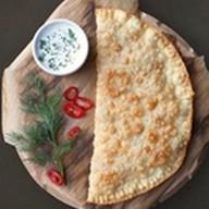 Домашний чебурек с сыром и зеленью Фото