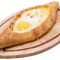 Хачапури по-аджарски с яйцом лодочка Фото