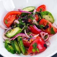 Салат с овощами по-грузински Фото