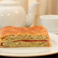 Пирог с капустой, яйцом и луком(слоеный) Фото